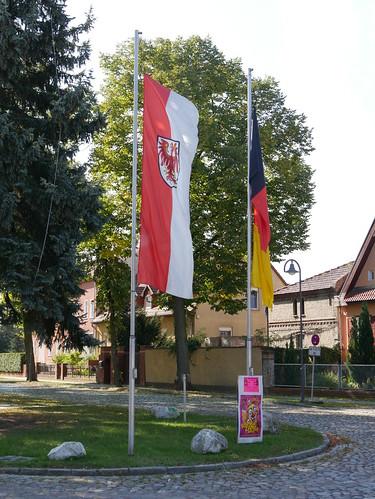 Gehisste Flaggen zum 3. Oktober