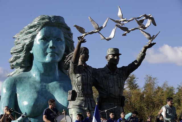 Inauguración del Monumento a la Reconciliación.