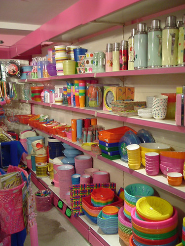 Kitsch kitchen  - plastic heaven | by welovepandas