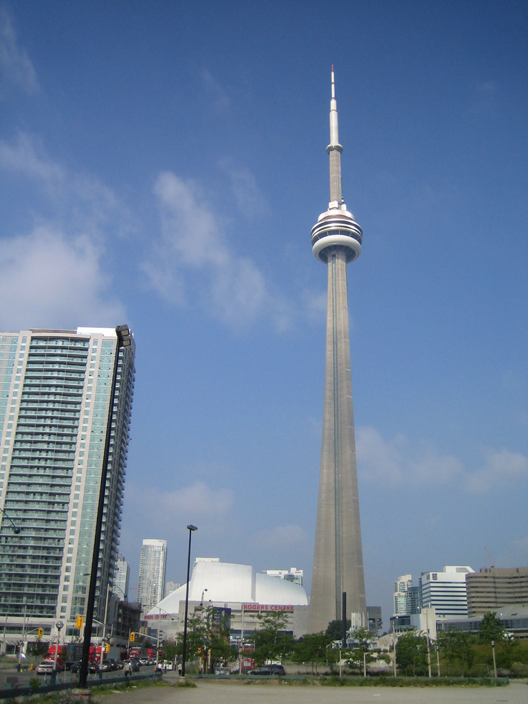 cn tower and the sky dome okay so now it 39 s the rogers. Black Bedroom Furniture Sets. Home Design Ideas