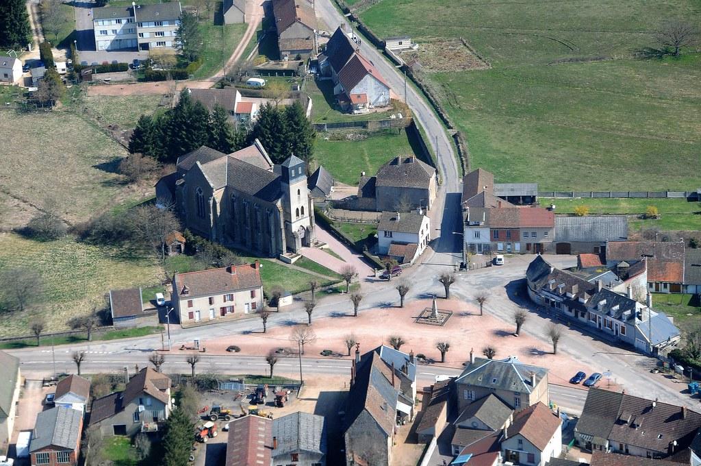 Le village de Lucenay L'Evêque
