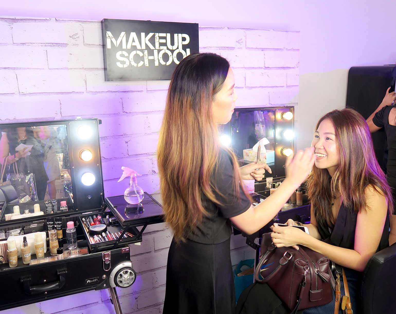 8 Makeup School PH