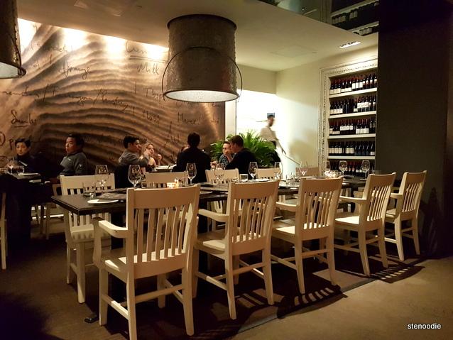 Oliver & Bonacini Café Grill Yonge & Front interior