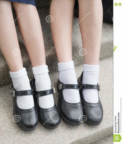Side-Asian-Thai-Girls-Schoolgirl-Student-Legs-Feet-Black-S -5839