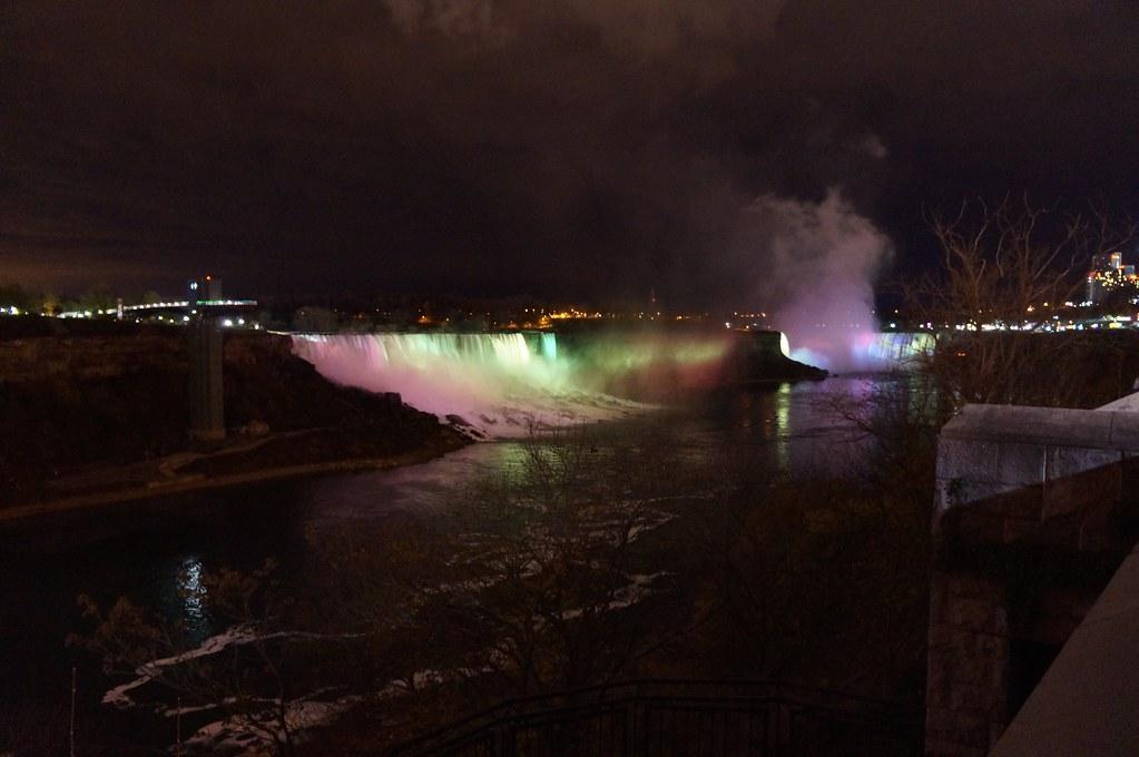 Niagara Falls, by night