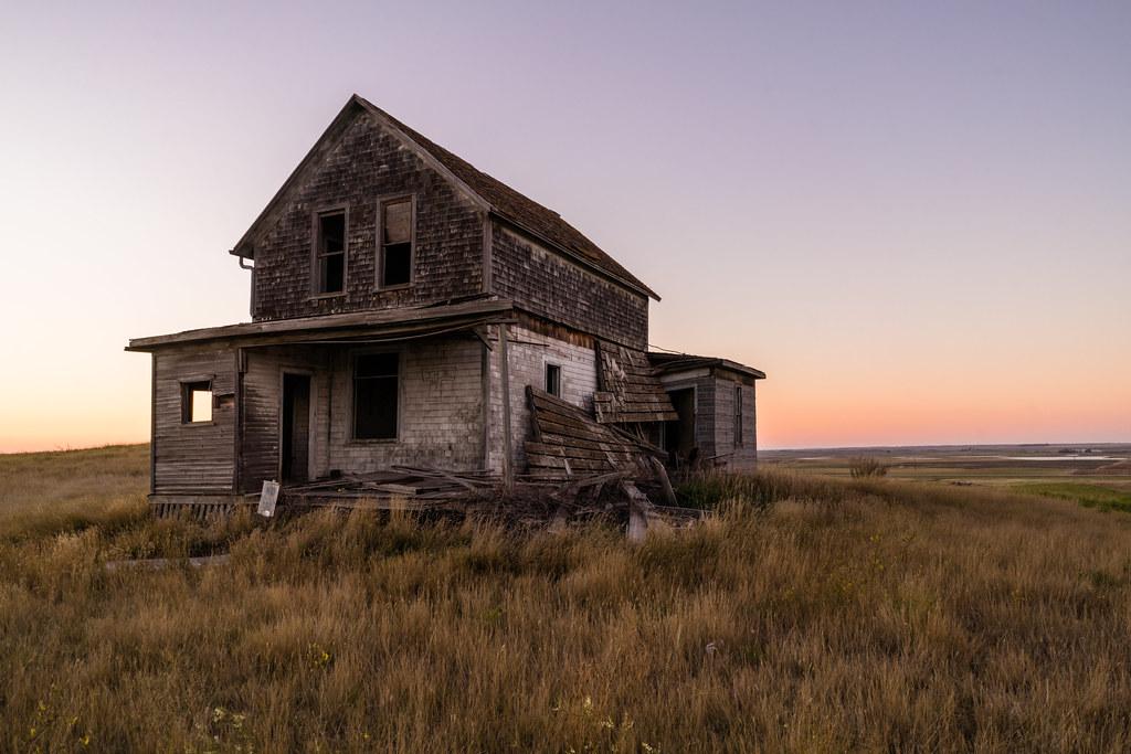 Old farmhouse duncan rawlinson for Family home plans com