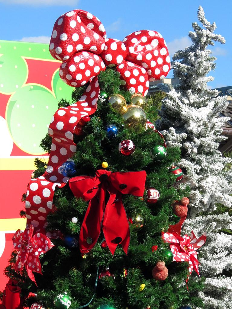 mickey and minnie christmas tree by meeko_