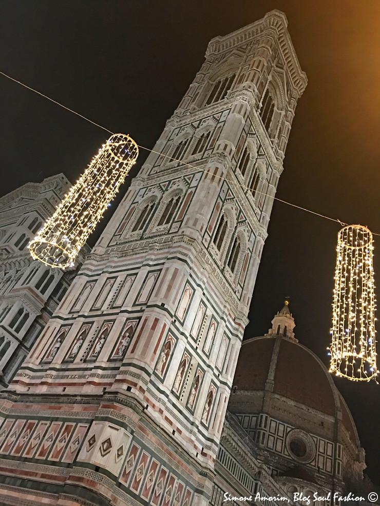 E olha só a lindeza do Duomo de Florença com as luzes de Natal!