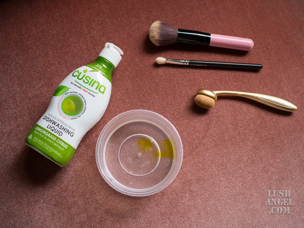 how-to-clean-makeup-brush