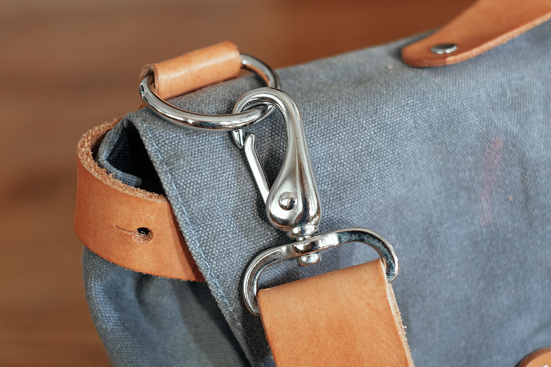 Ugmonk Messenger Bag shoulder strap clip