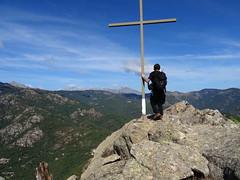 Au sommet Nord du Kyrie Eleison avec la croix