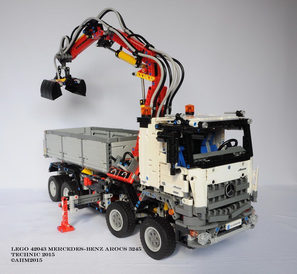 lego technic 42043 mercedes benz arocs 3245 lego technic 4 flickr. Black Bedroom Furniture Sets. Home Design Ideas
