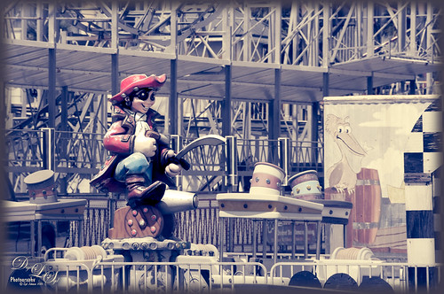 Image of a pirate on a kiddie ride at Daytona Beach