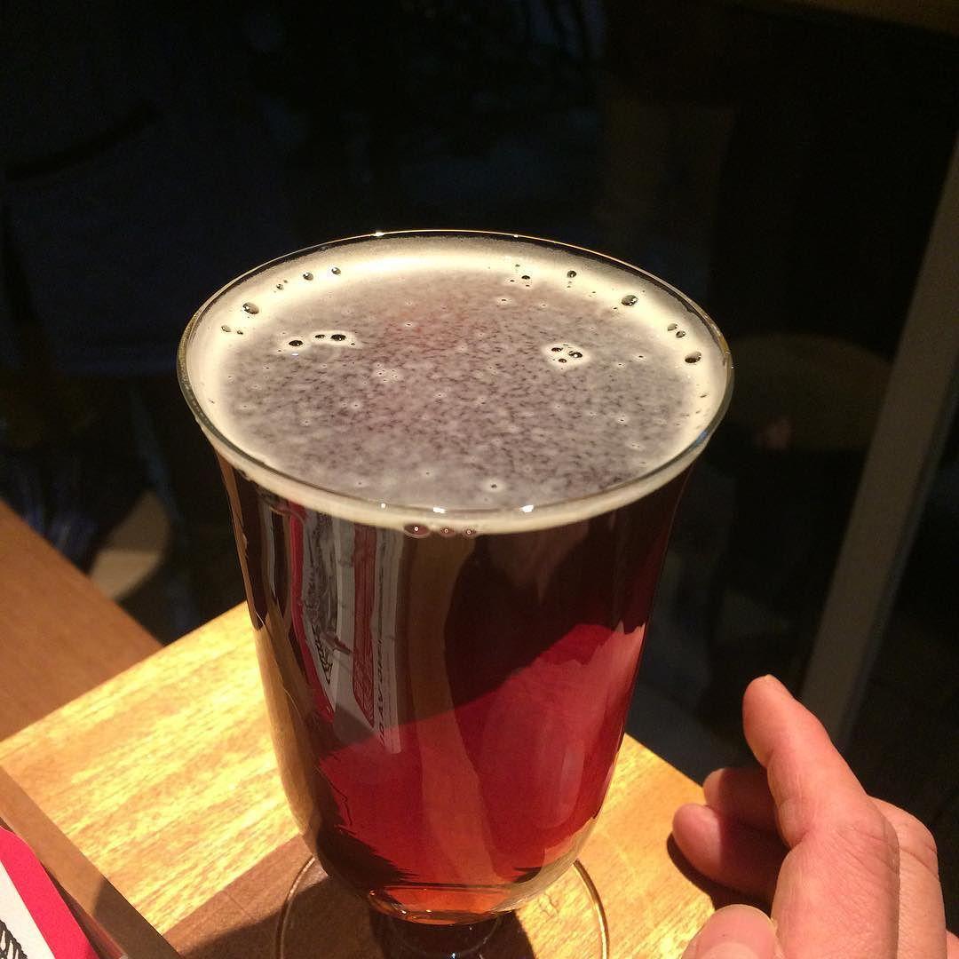 楓の吹雪(American Amber Ale)。ほどほどに濃く、飲み口爽やか。美味しいなあ。ビールってすげえ #beer