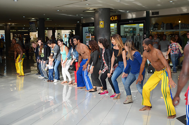 Dancing shoppers, Martianez shopping centre, Puerto de la Cruz, Tenerife