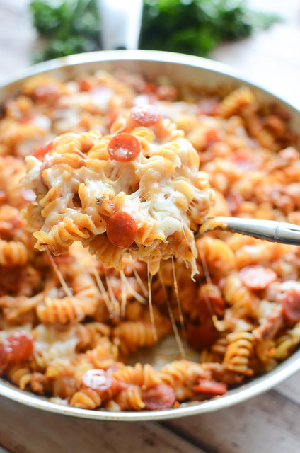 One Pan Pizza Pasta