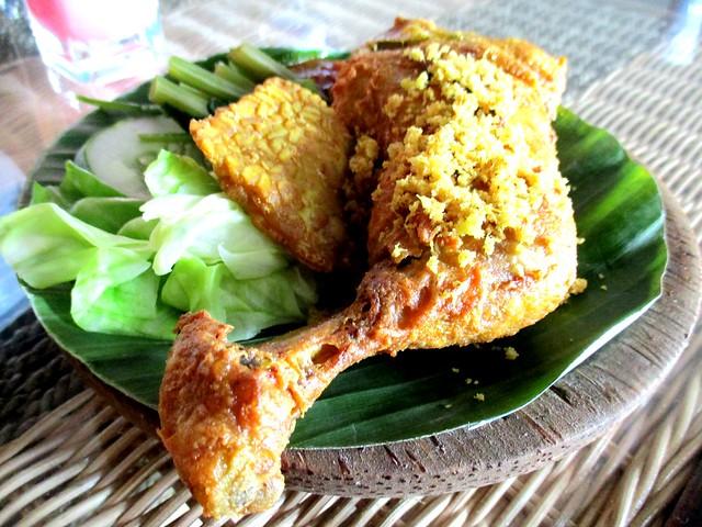 Ayam Penyet Ria Sibu ayam penyet