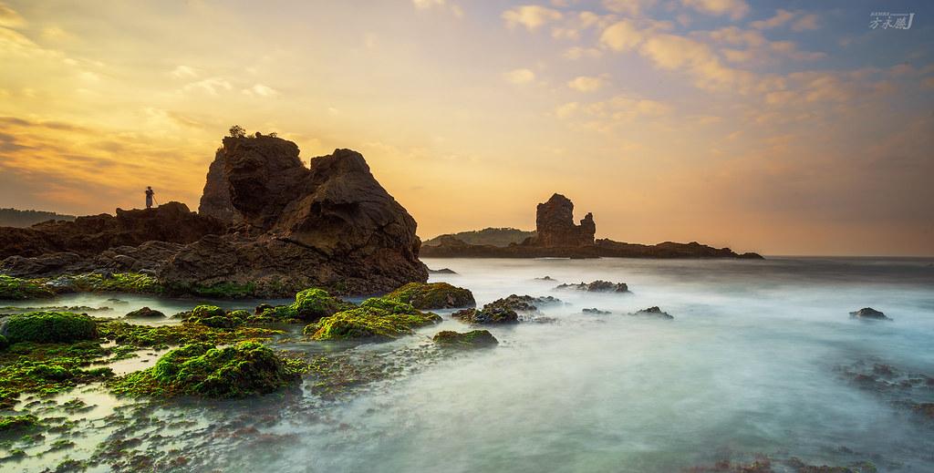 Hasil gambar untuk gambar pantai watu lumbung