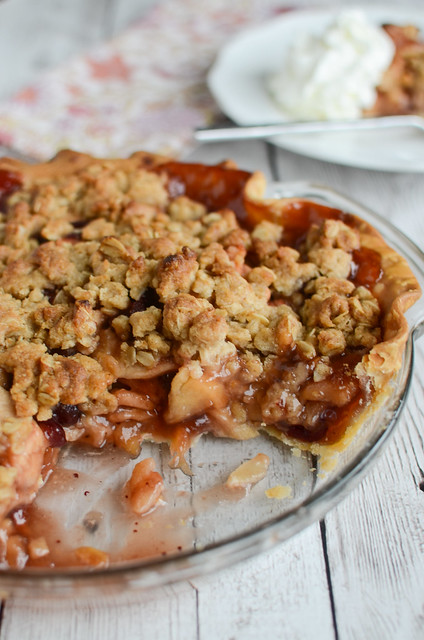 Cranberry Apple Streusel Pie
