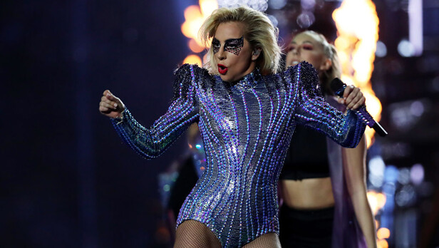 lady-gaga-superbowlLI-616x348
