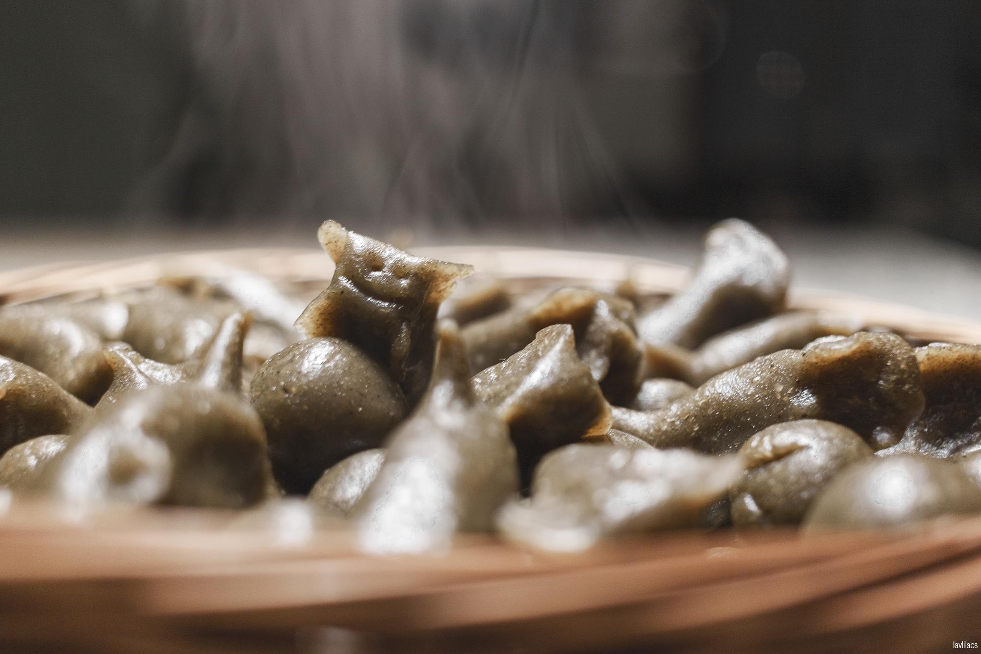 lavlilacs | Taishan Eats 台山美食 | Skunk Vine Rice Cake Balls - Foo Keen Haang Yuan - 烏芹藤圓