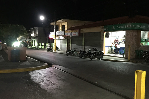 36 - Streets of Jarabacoa by night