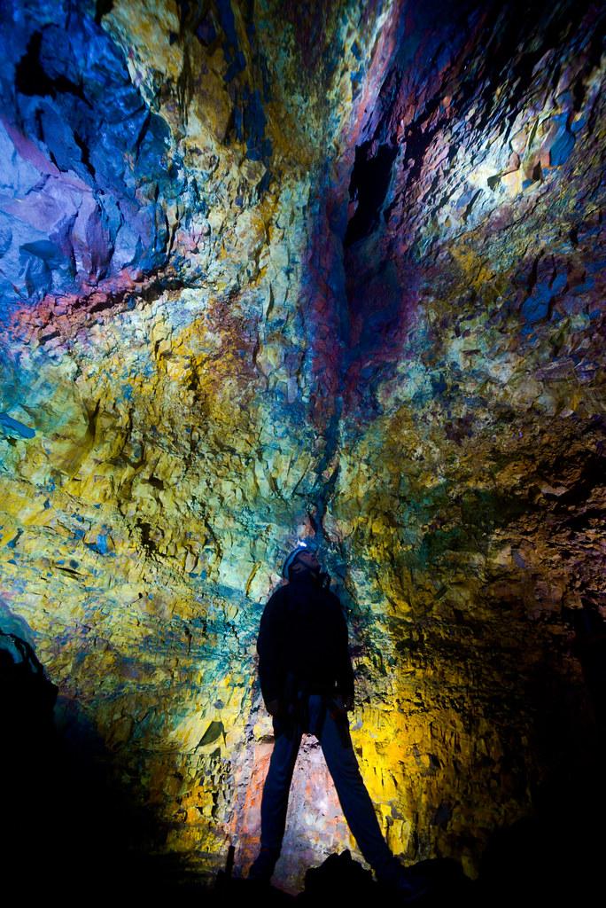 En el interior del volcán de islandia durante la excursión Inside the Volcano