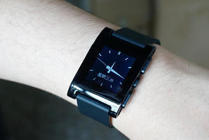 Chinese version of Pebble smart watches