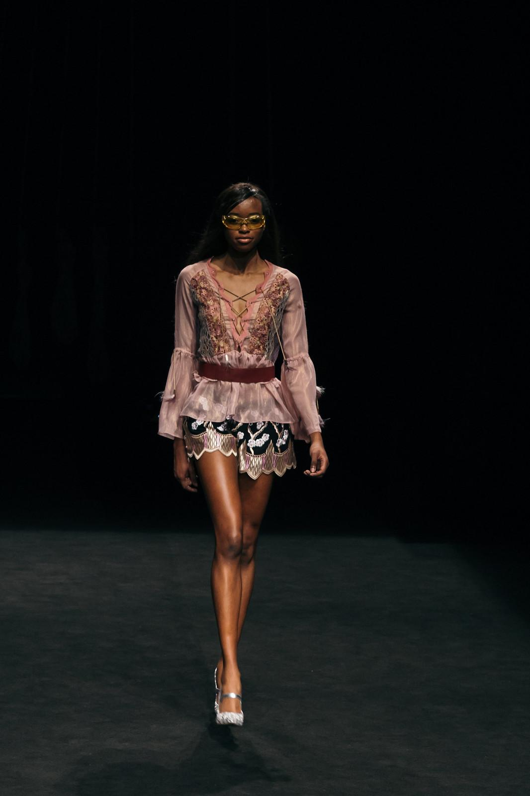 Jessie Chanes - Seams for a desire - 080 Bacelona Fashion #080bcnfasion -3