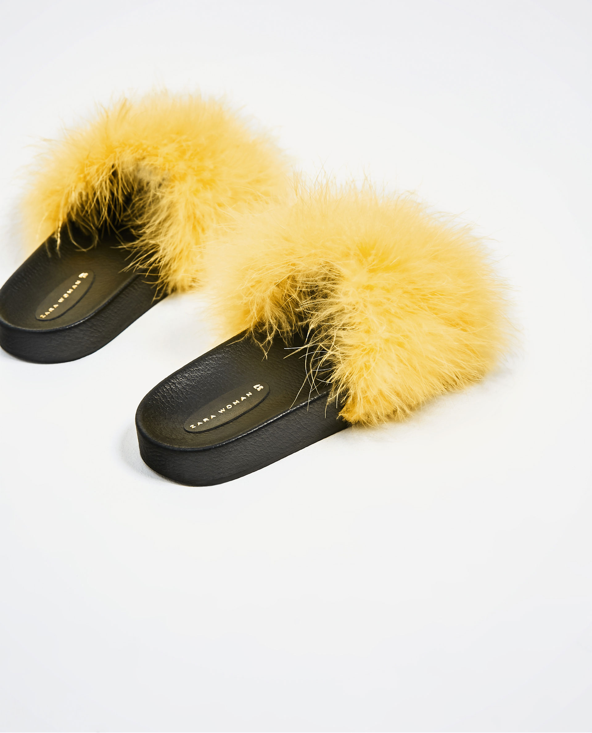 sandalias pelo Zara
