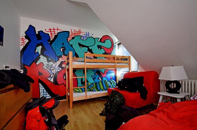 Nuestra habitación en Reikiavik a las 4 de la mañana con sol por la ventana