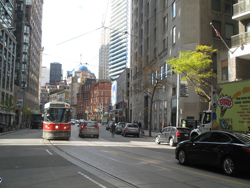 506 Main Street streetcar approaching on Carlton (2)