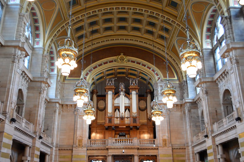 This is a picture of the interior of the kelvingrove galley and museum