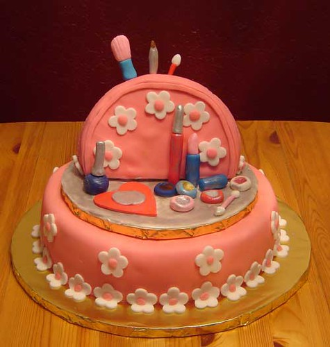 """A Birthday Cake For A """"girly-girl"""" Turning"""