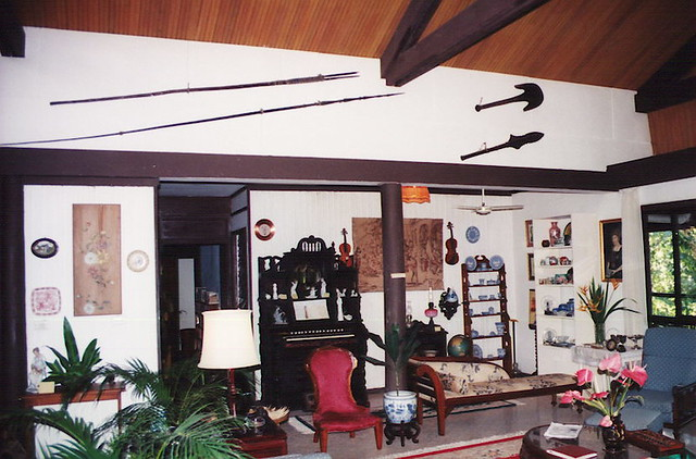 Raymond Burr S House In Fiji Notice The Walls Decorated