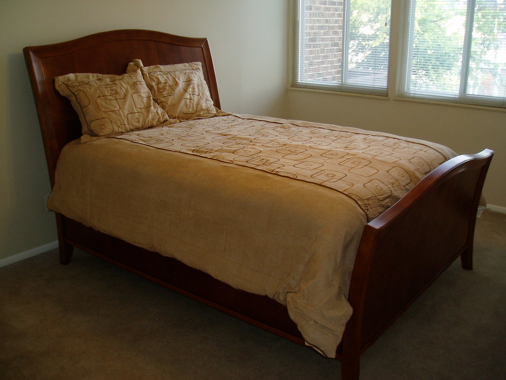 Twin Bed And Breakfast Room Decor