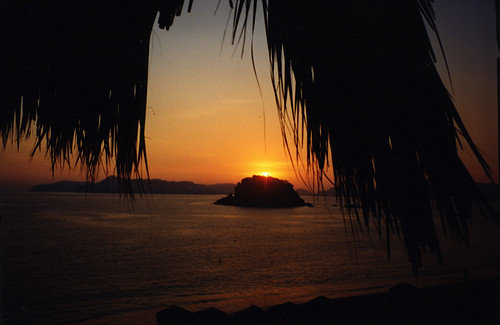 Sunset, Acapulco, Mexico | by Thad Roan - Bridgepix