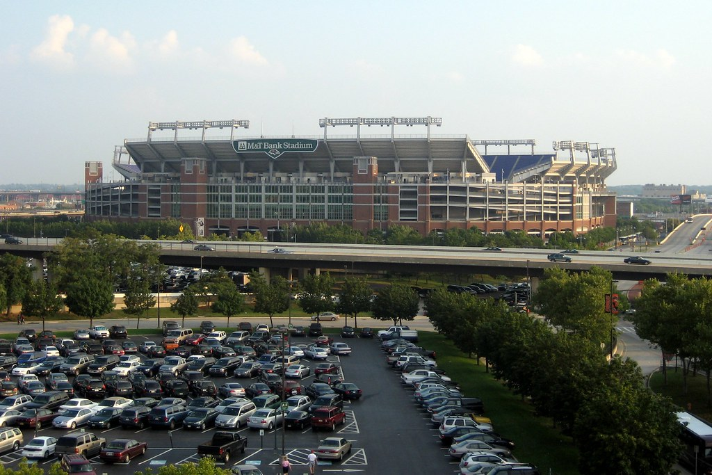 Baltimore m t bank stadium m t bank stadium designed for Restaurants m t bank stadium