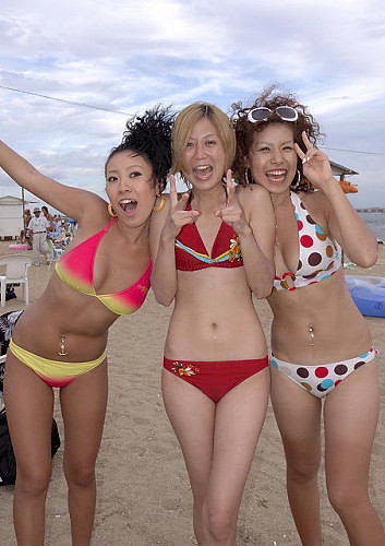 Bikini Girls  Japanese Beach  Tsuyoshi Tagawa  Flickr-4961