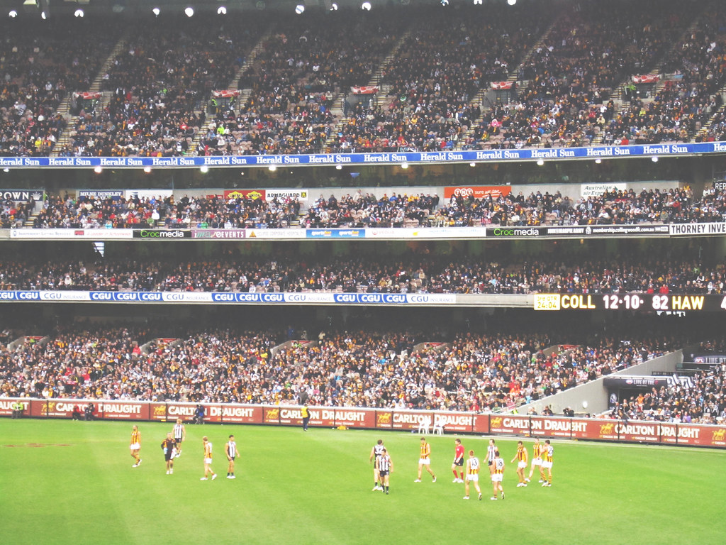 Watch a local game of Aussie Rules when in Melbourne | via It's Travel O'Clock