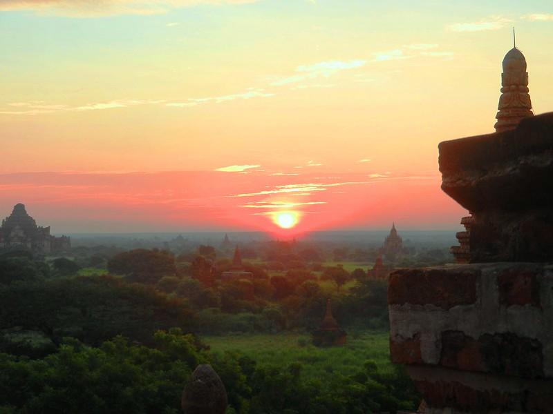 рассвет в Багане Мяьнма