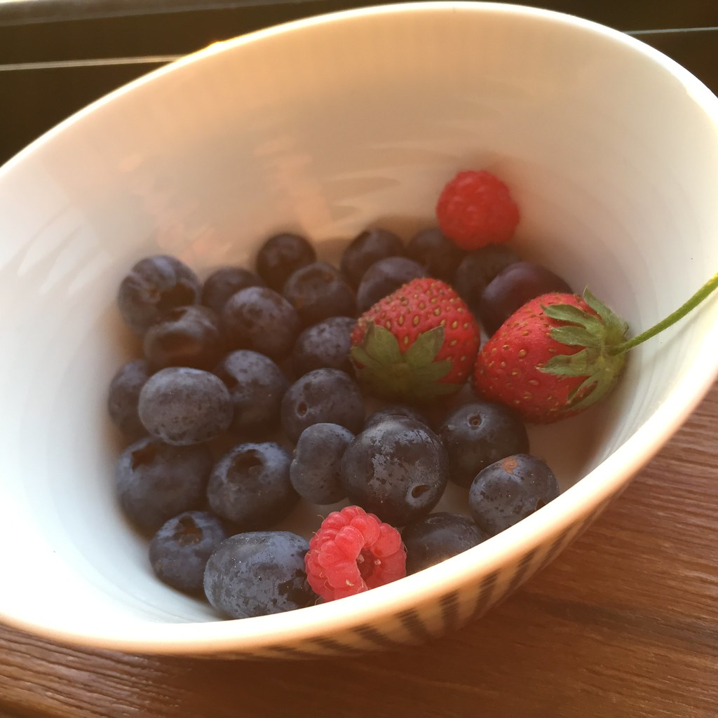 small bowl of blueberries, strawberries and raspberries