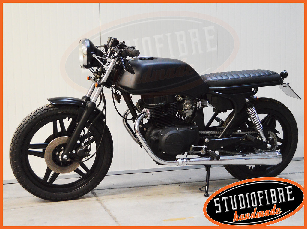 Honda CB400 BlackHole