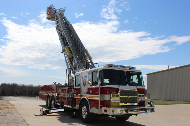 2005 E-One Tower Fire Apparatus - Fire Truck Inspection