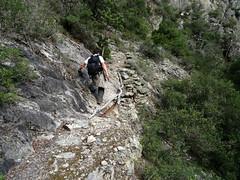 Sur le chemin de remontée de l'Ancinu : la zone éboulée et bricolée