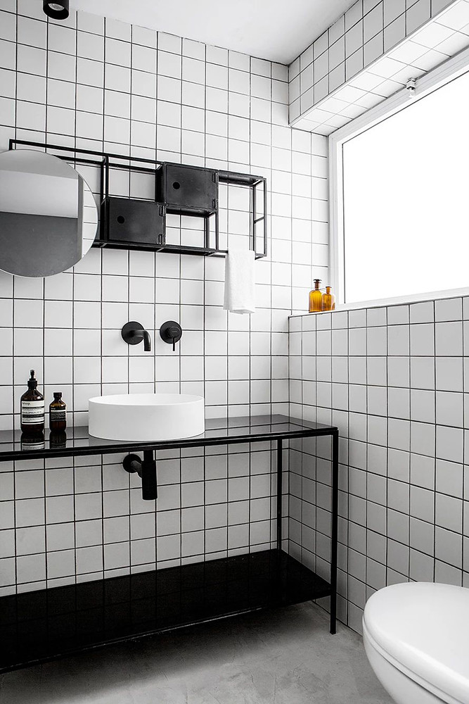 SIG black and white apartment by Yael Perry Sundeno_15