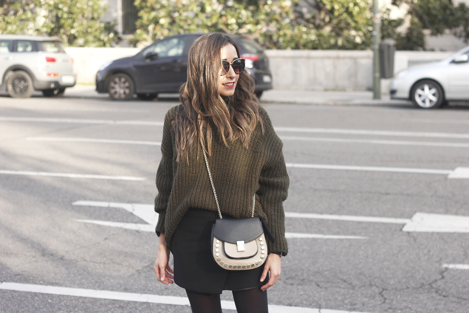 green sweater booties black skirt uterqüe bag style fashion winter outfit16