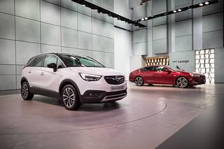 Opel Crossland X und Insignia Grand Sport