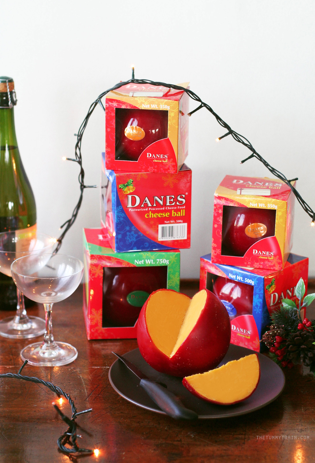 22647283723 acb29d4232 h - Have a sweet and savory Christmas with Danes Cheese Ball