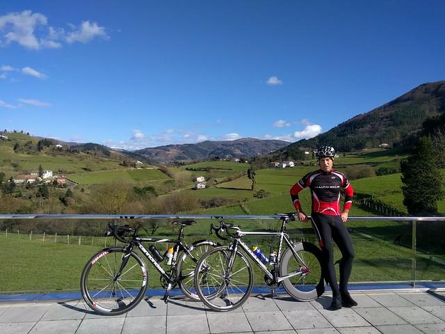 Fin de semana por Tolosaldea: bicicleta de carretera y algo de monte